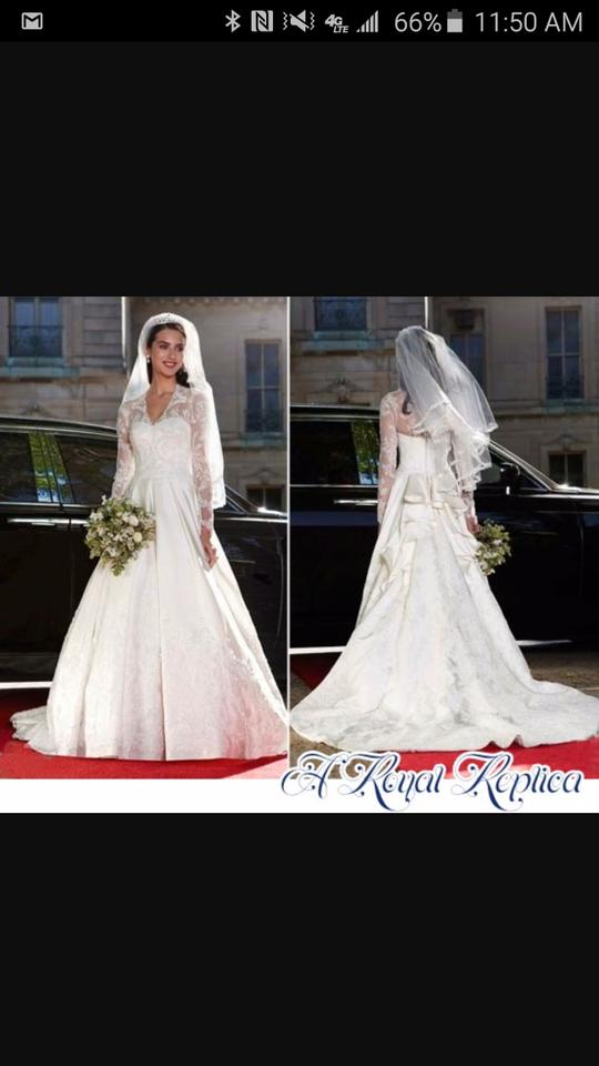 David S Bridal White Lace And Silk Princess Kate Look Alike Formal Wedding Dress Size 8