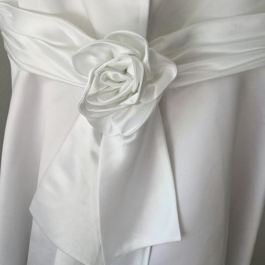 White Poly Satin with Lining and Netting Or Teen's Party Special Occasion * Formal Bridesmaid/Mob Dress Size 2 (XS) Image 3