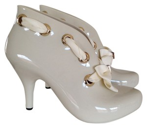Dizzy Gold White Ribbon Crystal Rubber Cream Boots