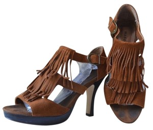 Madden Girl Steve Minnetonka Frill Pumps brown Sandals