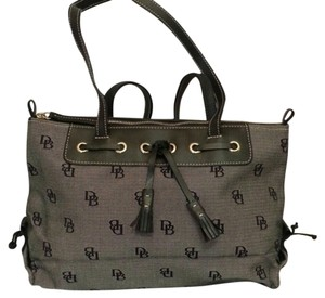 Dooney & Bourke Causual Chic Tote in Black and Gray