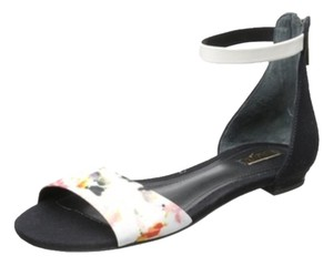 SCHUTZ White and floral Flats