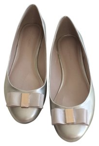 Banana Republic Bow Ballet Spring Gold Flats