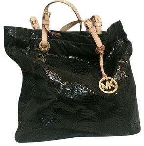 Michael Kors Large Gold Tone Hardware Tote in Shiny Black