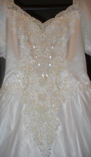 White Silk Private Label By G 34112 Traditional Wedding Dress Size 6 (S)