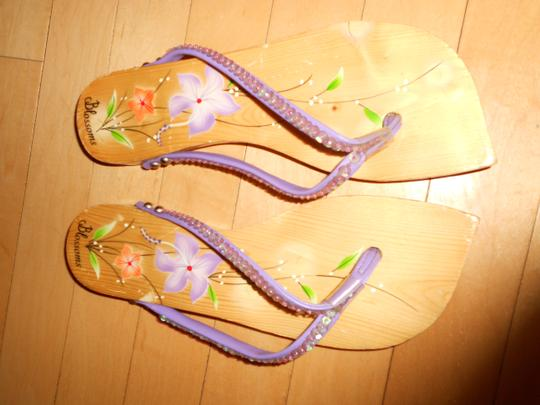 BLOSSOMS Wooden Hand Painted Floral Sequins PURPLE Sandals