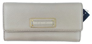 Marc by Marc Jacobs MARC BY MARC JACOBS Wallet - Too Hot To Handle Long Tri-Fold Continental In Beige New With Tags
