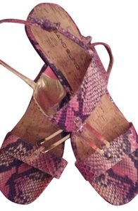 Bandolino Snake print mauve with black and pink Sandals