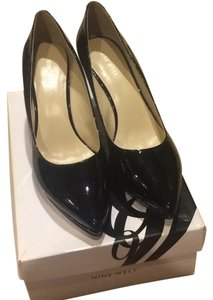 Nine West Great Classic Black patent Pumps