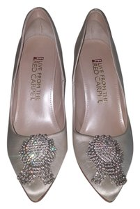 E Live From The Red Carpet Party Sparkle Silk Evening Ivory Pumps