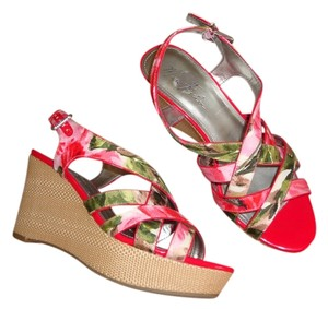 Marc Fisher Red/pink Multi Wedges