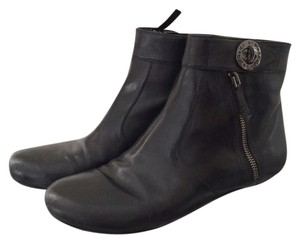 Marc by Marc Jacobs Leather Flat Zipper Black Boots