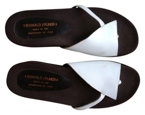 Donald J. Pliner J White with brown platform Sandals