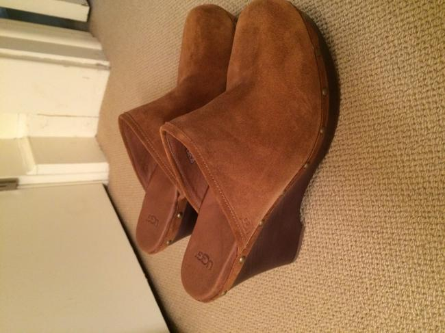 Item - Camel Mules/Slides Size US 11 Regular (M, B)