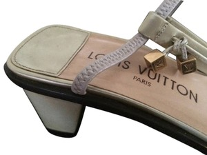Louis Vuitton Retro Limited Edition Couture Luxury Slingback Gold Hardware Beige Ivory Marc Jacobs Patent Leather Chunky Charm Logo beige/ivory/gold Sandals