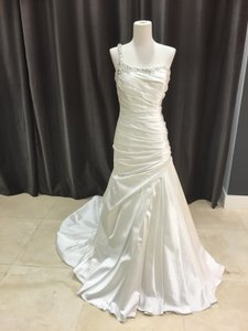 Allure Bridals 8750 Wedding Dress