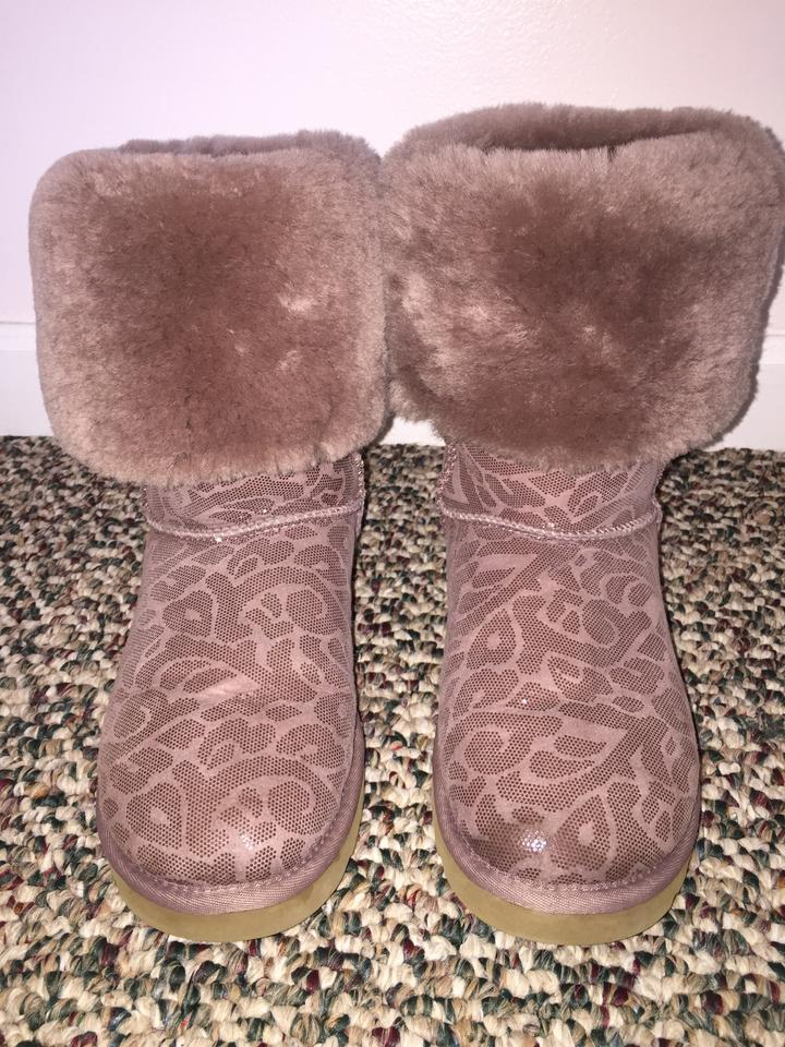 3a83ecf988c UGG Australia Light Purple Classic Tall Boots/Booties Size US 7 Regular (M,  B) 74% off retail
