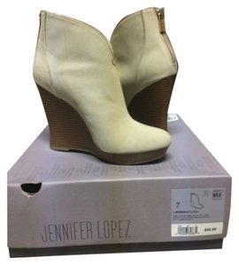 Jennifer Lopez Wedge Light beige Boots