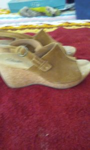 Clarks Very Comfortable Wedge/platform - You Would Never Know You Were Walking On As High A Heel. Tan/Camel Wedges