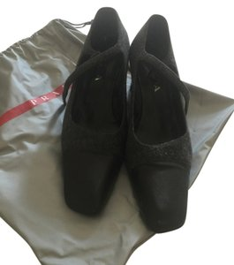Prada Size 11 Size 41 black and Grey Pumps