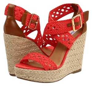 Steve Madden Natural Wedges