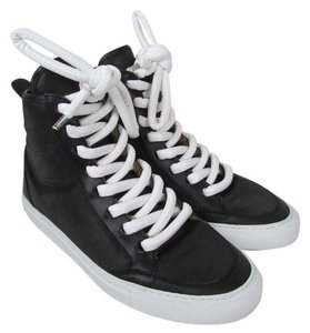 MM6 Maison Martin Margiela Black Athletic