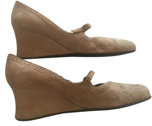 Stephane Kelian Size 11 Pumps Tan Pinkish Beige (Taupe) suede Wedges