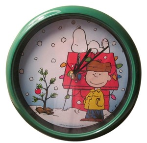 Peanuts clock Brand new Peanuts Clock, Charlie Brown Christmas tree collectable.