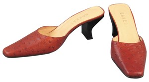 Bakers Ostrich Heel Light Brown / Orange Mules