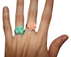 Other Set of 2 Adjustable Floral Lucite Rings