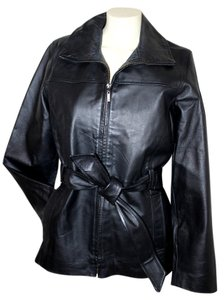 Signature Studio Leather Women's Fitted Zippered Leather Jacket