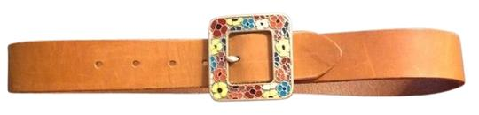 Preload https://item2.tradesy.com/images/gap-tan-leather-flower-buckle-belt-772501-0-0.jpg?width=440&height=440