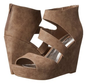 Kenneth Cole Taupe Dusted Suede PU Wedges