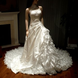 New Ivory Wedding Dress - Princess Gown With Ruffles Wedding Dress
