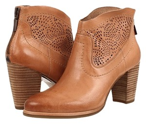 UGG Australia Leather Suntan Boots