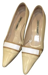 Manolo Blahnik Tab, beige and white Pumps