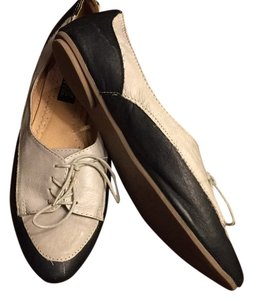 Deena & Ozzy Off white and Black Flats