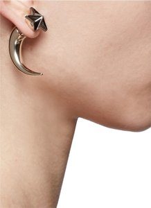 Givenchy Single Small Star Shark Tooth Earring