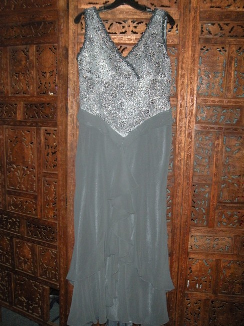 Item - Grey Silver Black Beaded Gown Long Formal Dress Size 12 (L)