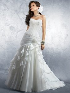Alfred Angelo 2177 Wedding Dress
