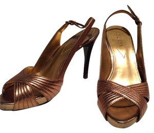 Guess Copper Pumps