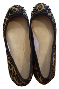 Banana Republic Tan animal print Flats