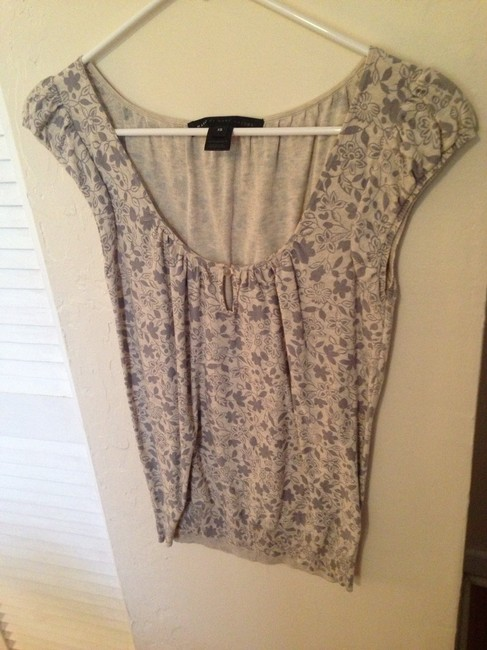 Marc Jacobs Top Cream With Gray Paisley