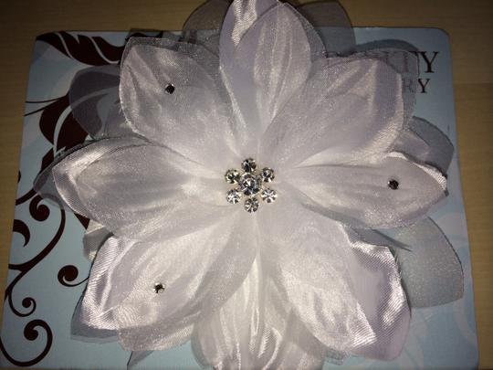White Daisy Jewel Hair Flower