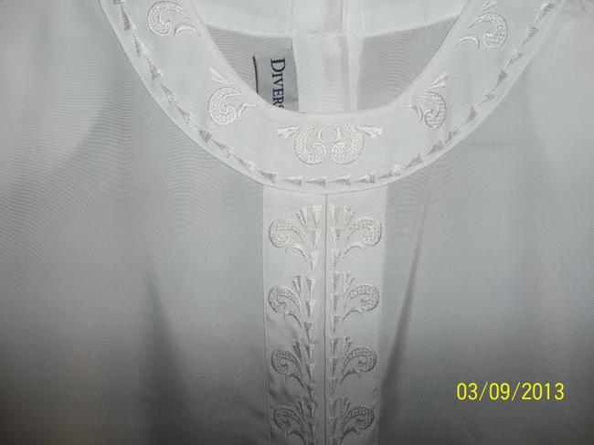 Diversity Short Sleeve Embroidered Silky Top White
