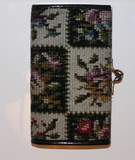 Other .VINTAGE *1950's *FLORAL EMROIDERED CHANGE PURSE * OVERALL GOOD CONDITIO*