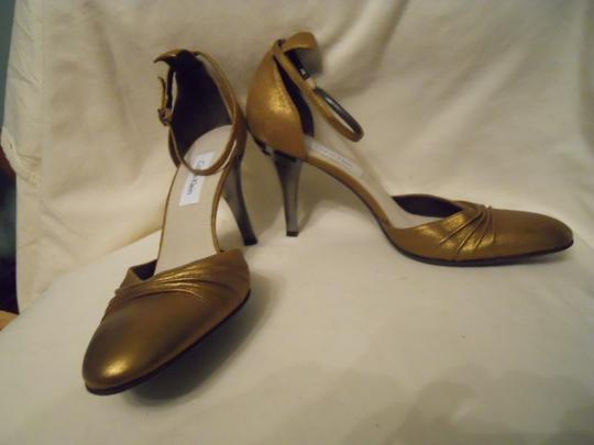 Calvin Klein Leather gold Pumps