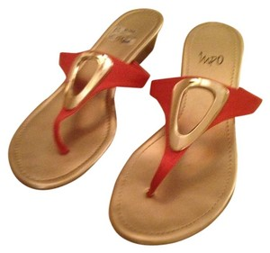 Impo coral/gold Sandals