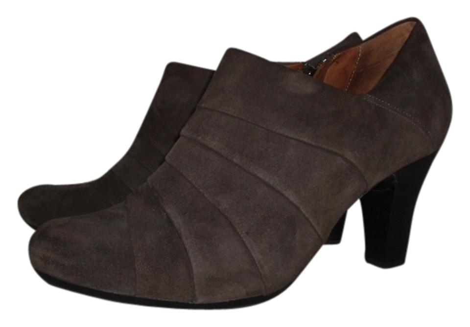 Clarks Gray Suede Brown Artisan Society Gown Suede Gray Boots/Booties fba6e6