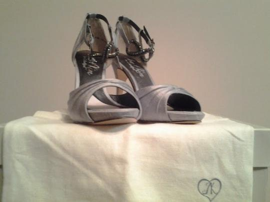 Ken&Jen Devote Silver Pumps